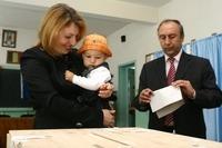 Familia Postelnicescu la vot