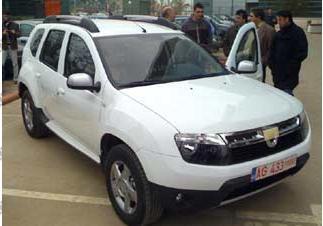 Dacia Duster 4X2 va costa intre  13.040 euro si 16.630 de euro