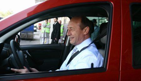 Basescu: Duster este o  masina care merita sa fie cumparata