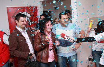 Kiss Fm a facut party de casa noua pentru  castigatoarea celui mai mare premiu din istoria radioului