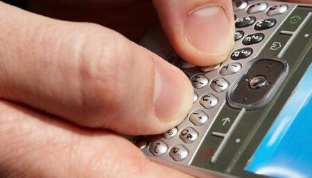 Aplicaţie pentru siguranţa datelor de pe telefoanele mobile