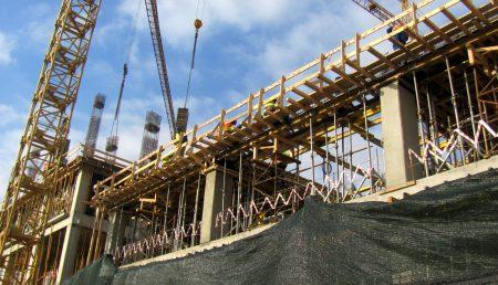Construcție nouă pe Bulevardul Republicii din Piteşti