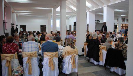Vezi cât te costă să-ţi faci nunta la o cantină şcolară din Piteşti!