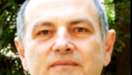 """PROFESORUL DE FIZICĂ DE LA """"BRĂTIANU"""" ACUZĂ DIN NOU!"""
