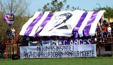 FC ARGEȘ, PRIMITĂ CU FLORI! SCHUMI GOL, CA-N ZILELE DE GLORIE!
