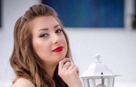 """ELEVĂ LA LICEUL """"DINU LIPATTI"""", SOLISTĂ VOCALĂ DE JAZZ"""