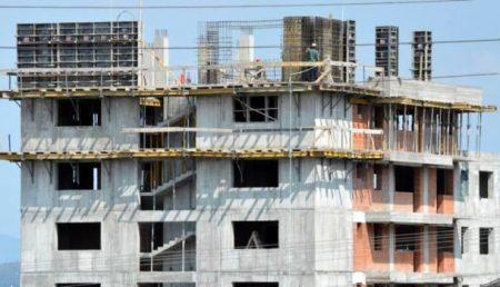 Un nou bloc în Pitești. Este de așteptat să aibă multe etaje