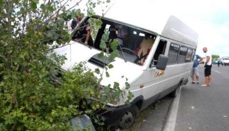 ACUM: ACCIDENT GRAV! MICROBUZ RĂSTURNAT PE AUTOSTRADĂ