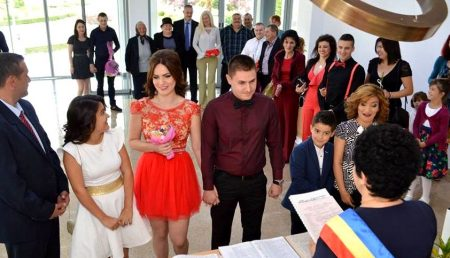 CĂSĂTORII ȘI DIVORȚURI LA FOC AUTOMAT ÎN ARGEȘ