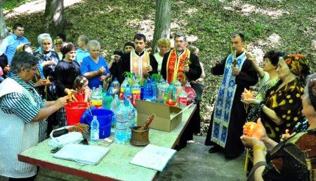 CREDINCIOȘII ORTODOCȘI, INVITAȚI LA IZVORUL TĂMĂDUIRII