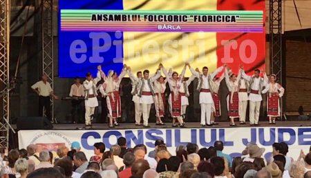 (VIDEO) ANSAMBLUL FOLCLORIC DIN BÂRLA, SPECTACOL ÎN PITEȘTI