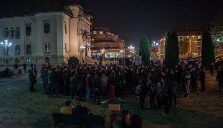 """CETĂȚENI REVOLTAŢI: """"RUŞINE!"""""""