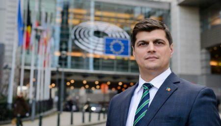 EUROPARLAMENTARUL LAURENŢIU REBEGA, SEMNAL DE ALARMĂ CU PRIVIRE LA COPIII ŞI TINERII ROMÂNIEI