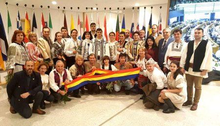 LAURENȚIU REBEGA A ADUS COLINDELE ROMÂNEȘTI ÎN PARLAMENTUL EUROPEAN