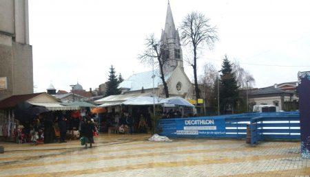 (VIDEO) BISERICA ROMANO-CATOLICĂ, SUFOCATĂ DE BÂLCI ȘI KITSCH