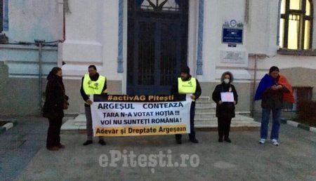 (VIDEO) ACUM: PROTEST ÎN PIAȚA PRIMĂRIEI