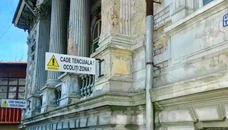 (VIDEO) RUȘINE! CASE-MONUMENT, LĂSATE ÎN PARAGINĂ