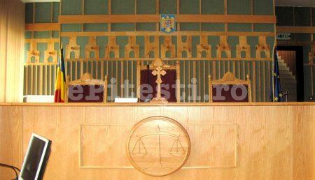 BIBLIILE DIN SĂLILE DE JUDECATĂ, SCHIMBATE