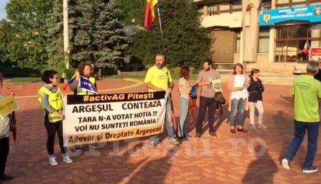 """(VIDEO) ACUM: PROTEST ÎN PIAȚA """"VASILE MILEA"""""""