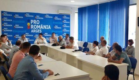 PRO ROMÂNIA ARGEȘ, FORUM CU PONTA ȘI DANIEL CONSTANTIN