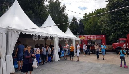 (VIDEO) CARREFOUR LIVE FOOD FEST – PREPARATUL CARE SE VINDE CA PÂINEA CALDĂ