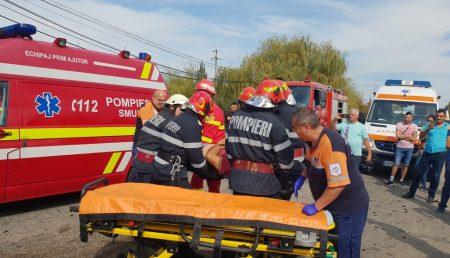UPDATE: CARAMBOL. ACCIDENT CU VICTIME, TRIMISĂ DESCARCERAREA