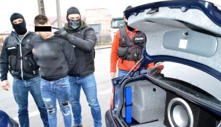 UPDATE: PITEȘTEANCĂ ȘANTAJATĂ. RELAȚIE DE DRAGOSTE ÎNCHEIATĂ LA POLIȚIE