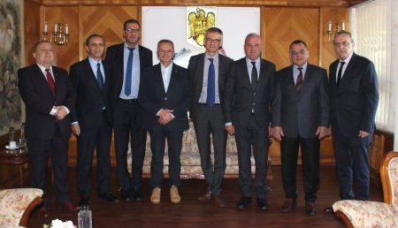 NOUL BOSS DE LA DACIA BATE PALMA CU ȘEFII JUDEȚULUI