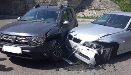 UPDATE: ACCIDENT ÎN POPA ȘAPCĂ. ȘOFER RĂNIT