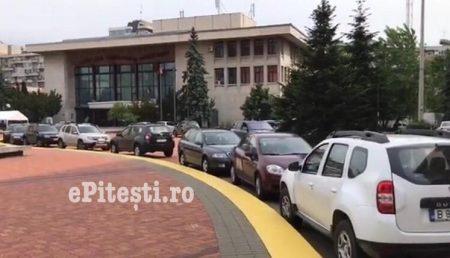 """(VIDEO) """"ȘMECHERII"""", STĂPÂNI PE PIAȚA """"MILEA"""""""