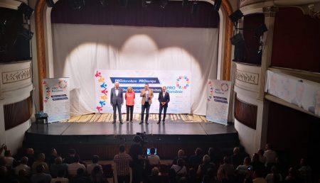 """(VIDEO) LIDERII PRO ROMÂNIA, EVENIMENT LA TEATRUL """"ALEXANDRU DAVILA"""""""