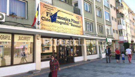 """COMEDIE POLIȚISTĂ LA CINEMA """"BUCUREȘTI"""""""