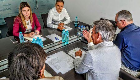 PRO ROMÂNIA ANUNȚĂ CĂ FACE PRIORITATE DIN TURISM. BOGDAN IVAN, ÎNTÂLNIRI CU MEDIUL DE AFACERI