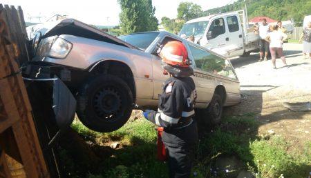 (UPDATE) ACCIDENT CU MAȘINĂ FUNERARĂ