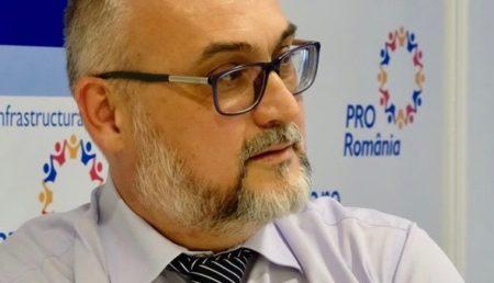PROTESTUL PRO ROMÂNIA ARGEȘ CU PRIVIRE LA LIPSA DE REACȚIE A AUTORITĂȚILOR FAȚĂ DE PERICOLUL CONTAMINĂRII LA COZILE PENTRU DEPUNEREA DOCUMENTELOR AFERENTE TAXEI DE SALUBRIZARE