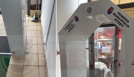 """VIDEO – TUNELUL """"PENTRU DEZINFECȚIE"""" DIN PIAȚA CEAIR S-A GRIPAT/TRAS PE LINIE MOARTĂ"""