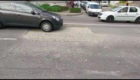 VIDEO: PERICOL, ÎMPROŞCARE CU PIETRIŞ PE UN BULEVARD DIN PITEŞTI