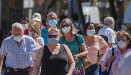 "Medic: ""La 70% închidem pandemia"""