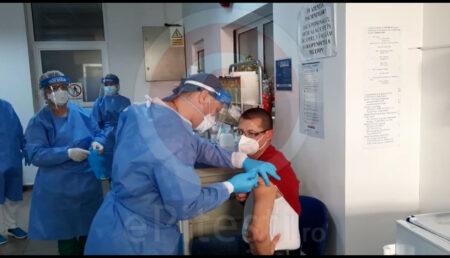 A patra tranșă de vaccin. Peste 150 de mii de doze, distribuite în țară