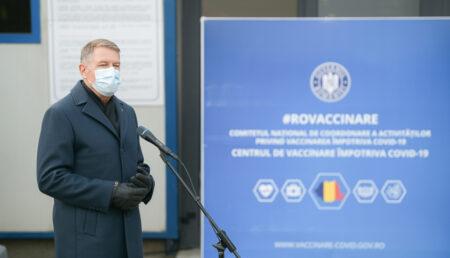 Președintele Klaus Iohannis: Atmosfera se schimbă și foarte multă lume dorește să se vaccineze