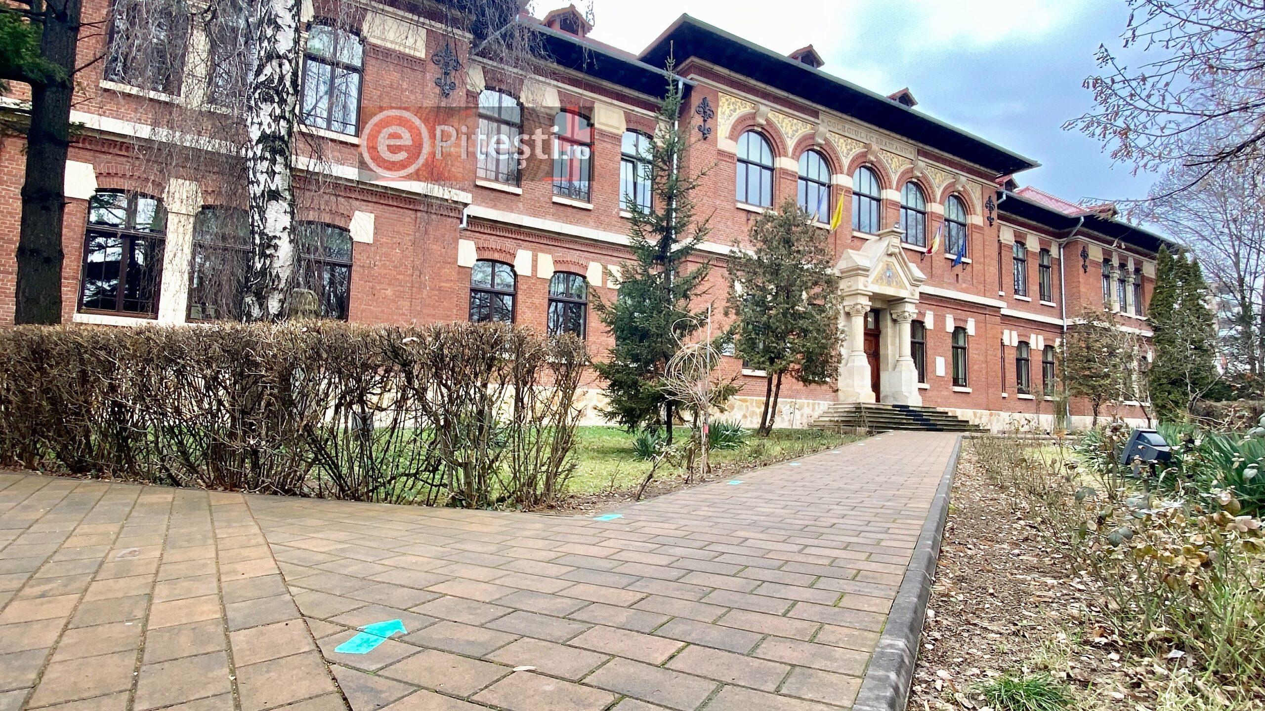 Colegiul Național Ion C. Brătianu are acum două clase cu activitatea suspendată
