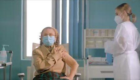VIDEO/Întrebare: AstraZeneca are efecte adverse mai severe decât vaccinurile Pfizer și Moderna?