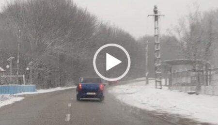 Video: Iarnă în toată regula în Argeş. Cum se circulă astăzi pe drumurile din judeţ