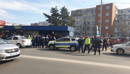 Trivale: Două minore au scos Poliția din post ca la război