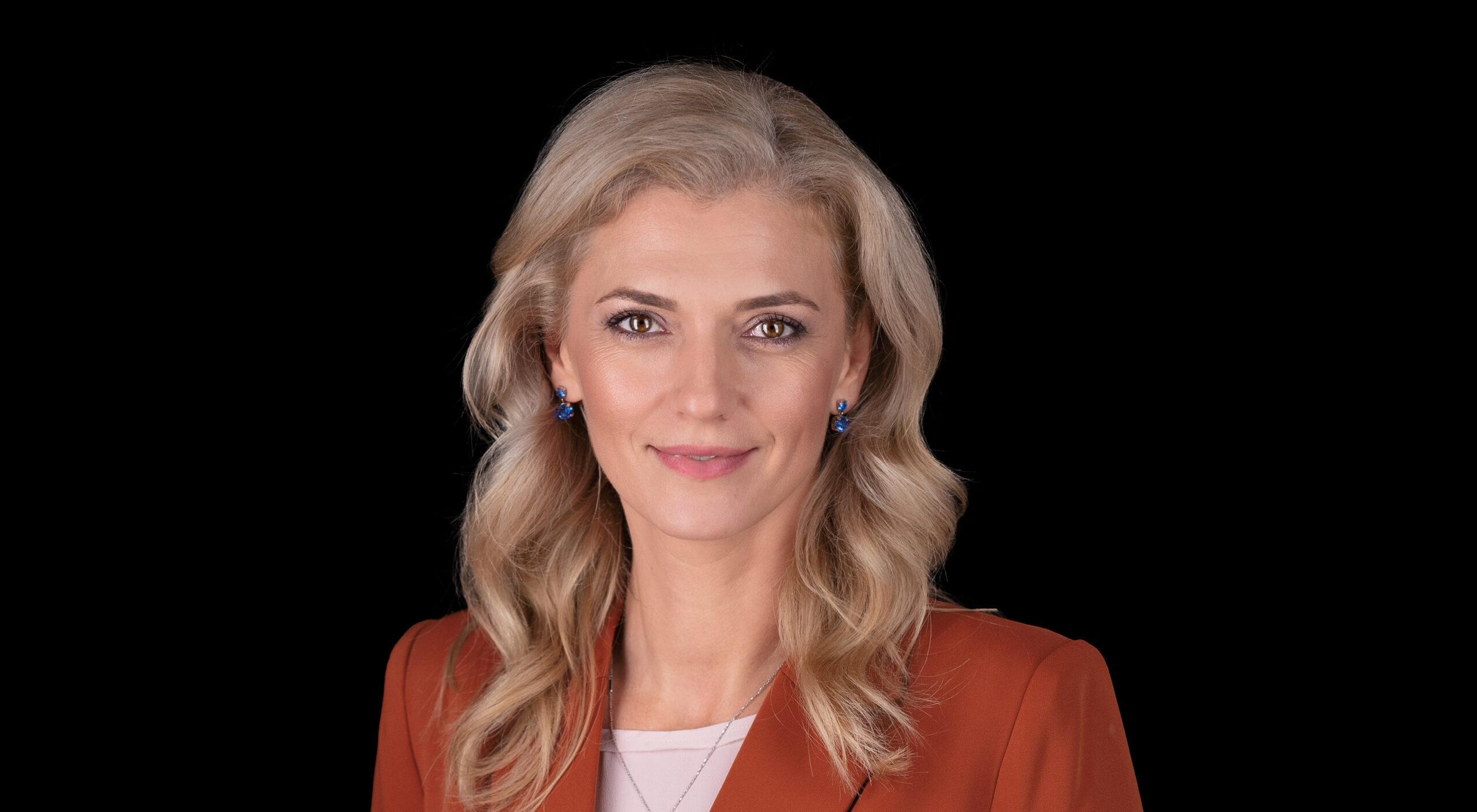 Cotă minimă de gen de 30% la alegerile locale. Alina Gorghiu, solicitare expresă către Camera Deputaților