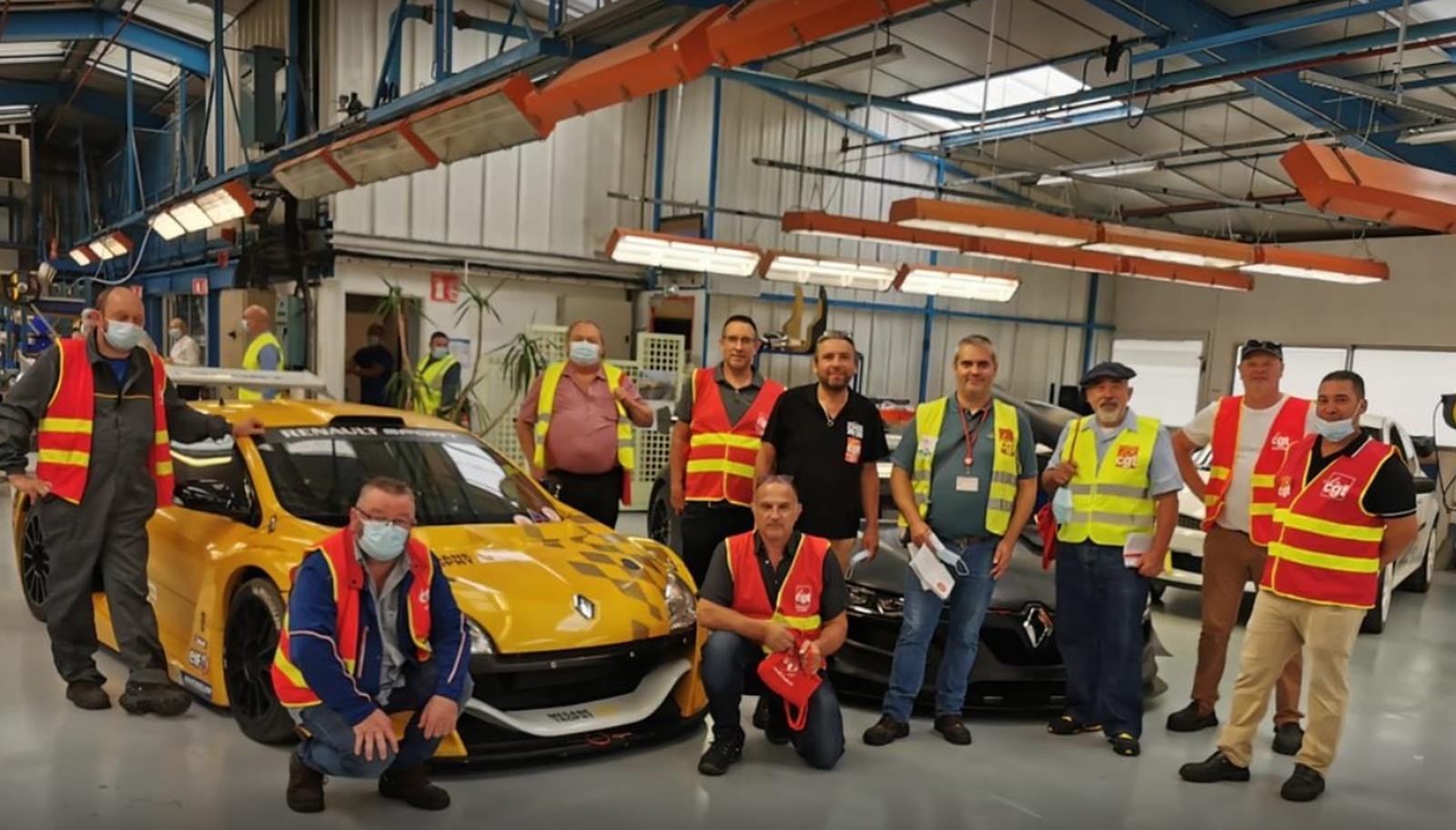 """Sindicat Renault: """"Să producem o parte din vehiculele DACIA vândute în Franța în Franța!"""""""