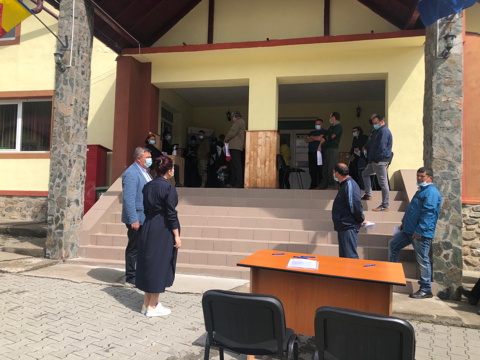 Locuitorii din Sălătrucu s-au vaccinat astăzi anti-COVID