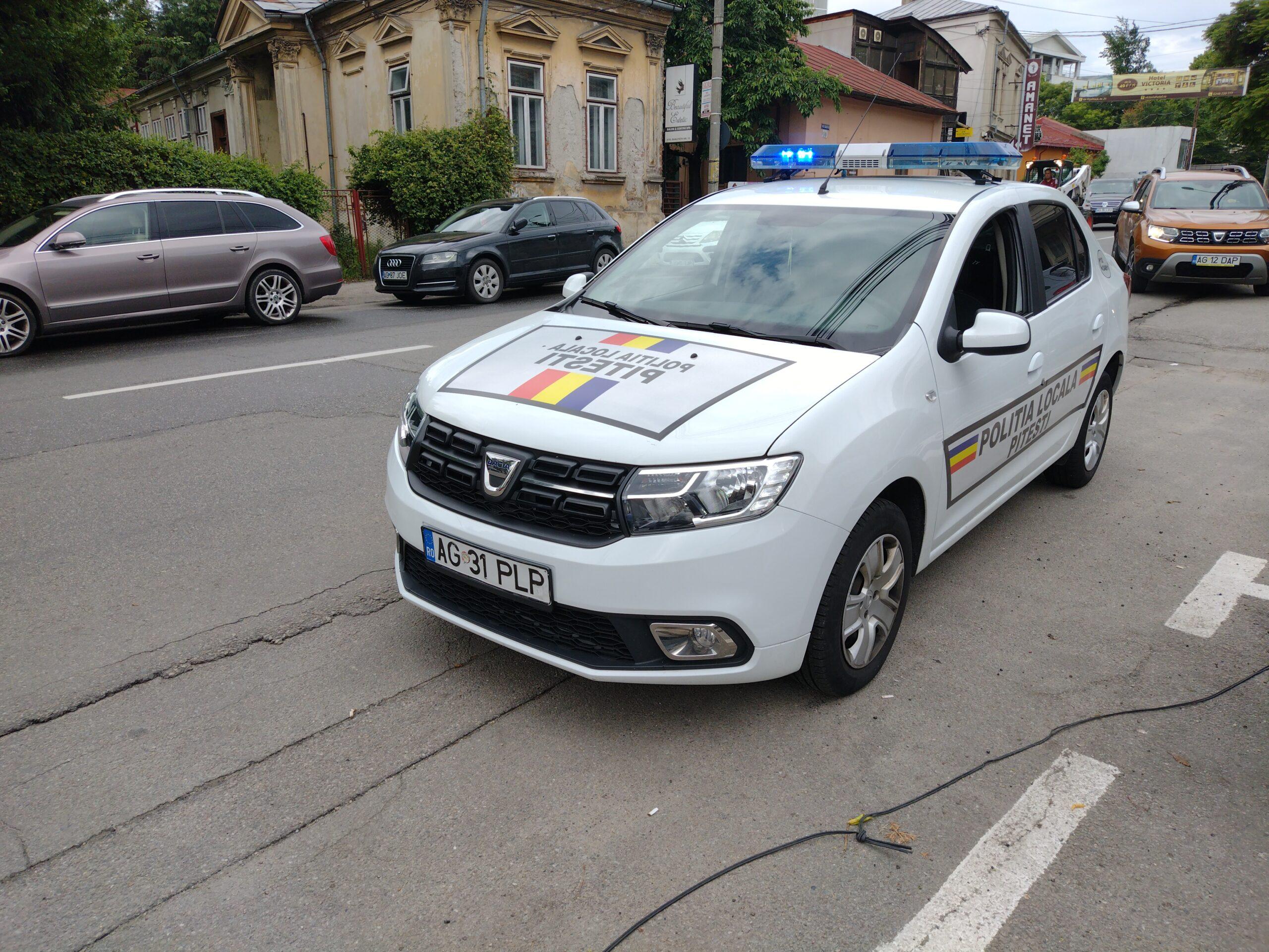 Video: Poliția Locală Pitești în acțiune, în centru. Amenzi pentru parcări neregulamentare