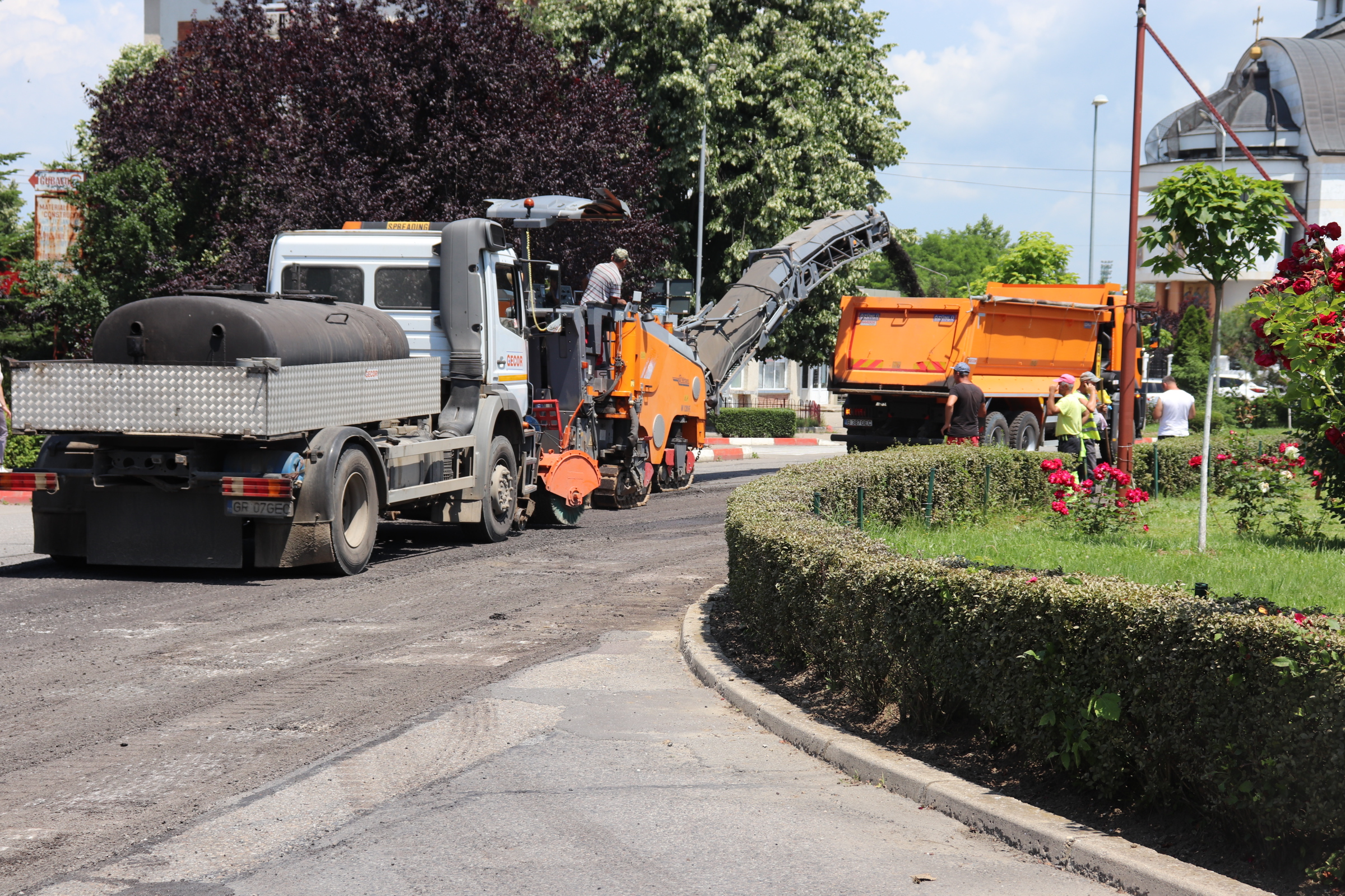 Atenție, șoferi! Se lucrează pe Bulevardul Dacia din Mioveni