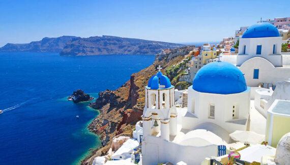 Grecia, destinația de vacanță preferată a românilor, a intrat în zona roșie